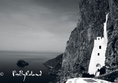 Grèce, Amorgos, monastère de la Panaghia Chossoviotissa N&B